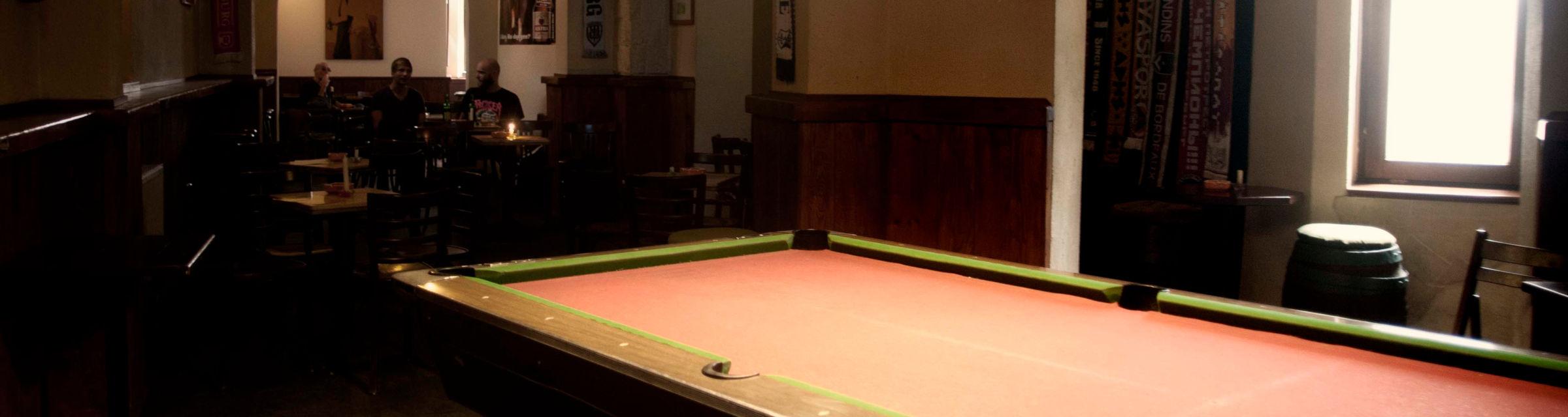 Billiardtisch im Unikum